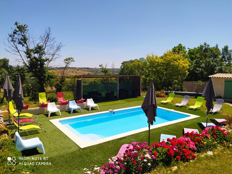 GITE 10 PERSONNES, vacation rental in Mazeres