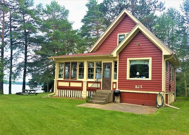 Romance and Beauty await you in St. Germain., holiday rental in Star Lake