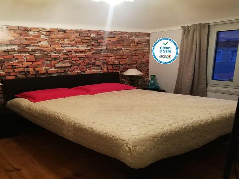 Alojamento Maritimo II (room/quarto 2), location de vacances à Cortegaca