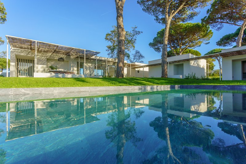 Villa Daphne - New!, vacation rental in Setubal District