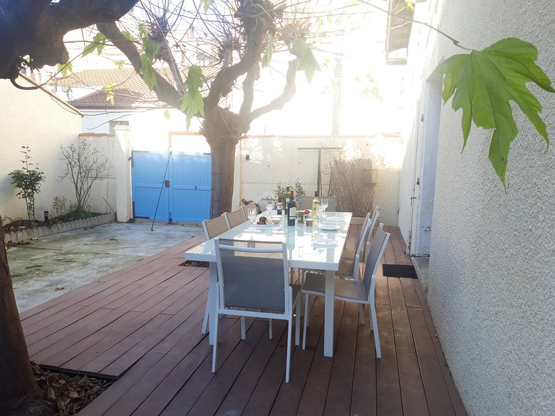 Deck with outdoor dining for 8 people