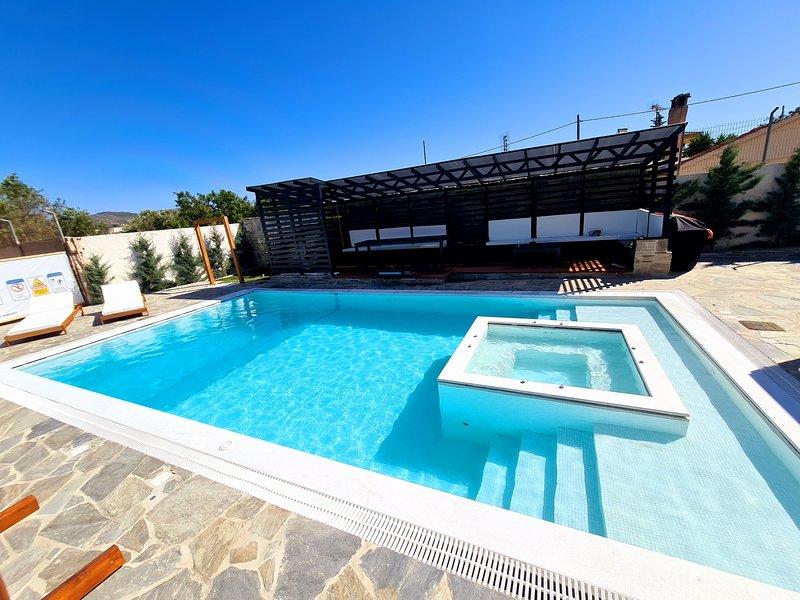 Olivujoj Villajoj - Exclusive holidays for any traveler!, holiday rental in Palaia Fokaia