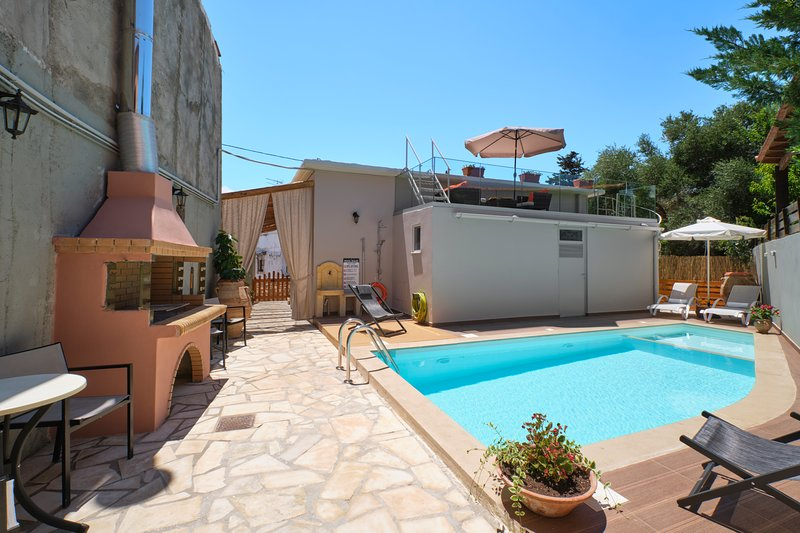 Chara Villas 1 with 20m2 swimming pool-BBQ!, vacation rental in Melidoni