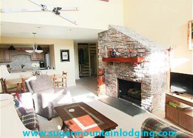 Huge 3 Bedroom Condo in Skyleaf. Rented by Sugar Mountain Lodging, Inc., vacation rental in Banner Elk