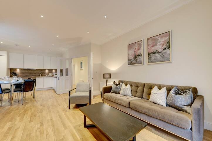 West London Spacious 3 Bed Apartment, vacation rental in Teddington