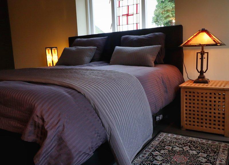 Luxe gastenkamer in voormalige landbouwschuur kamer 1, holiday rental in Muntendam