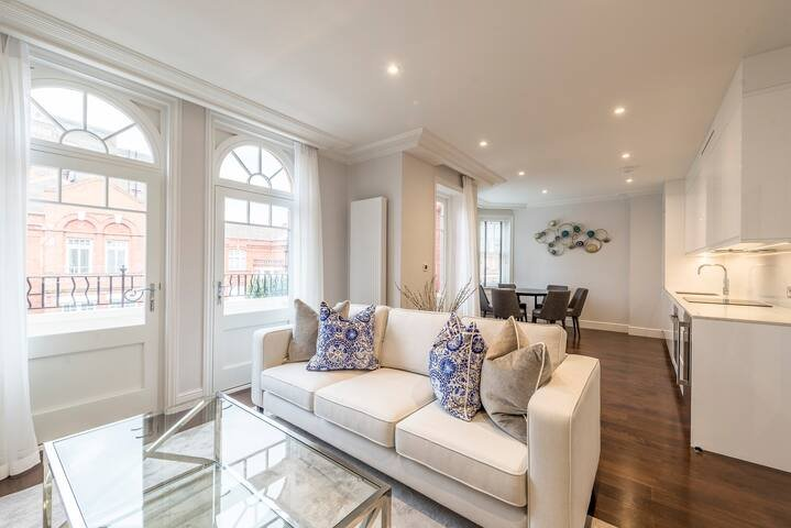 Light and Airy, Central Three Bed Flat, vacation rental in Teddington