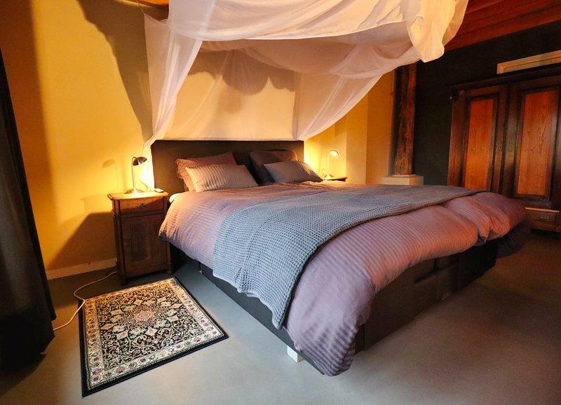 Luxe gastenkamer in voormalige landbouwschuur kamer 2, casa vacanza a Finsterwolde