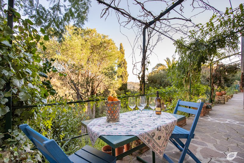 Casa di Charme 3 Rio nell'Elba, vacation rental in Rio Nell'Elba