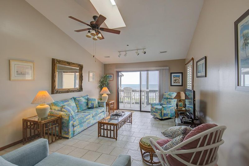 Shipwatch Villa 1401 Oceanfront! | Community Pool, Elevator, vacation rental in North Topsail Beach