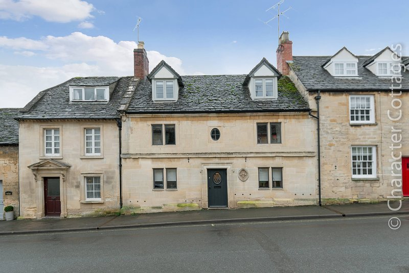 Fleur de Lys is a beautiful holiday home in the heart of bustling Winchcombe, holiday rental in Little Washbourne