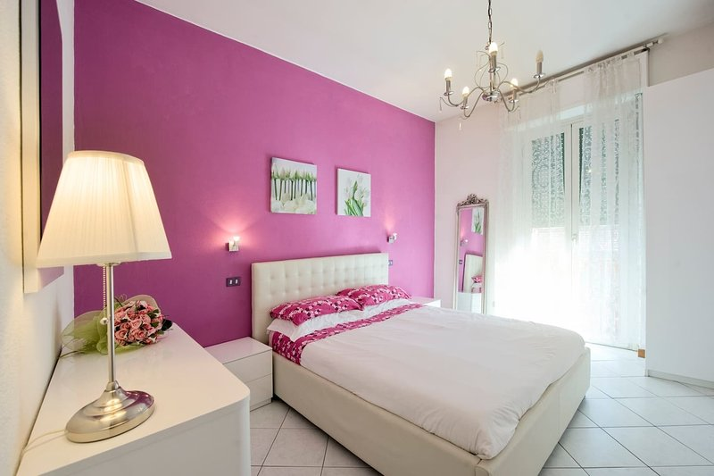 Stunning 1-Bed Apartment in Milano, vacation rental in Barona