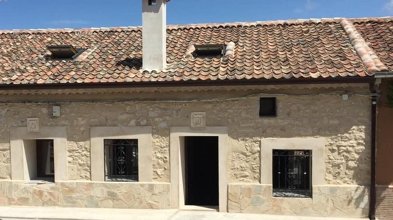 Fabulous house in the village center, holiday rental in Villaescusa de Roa