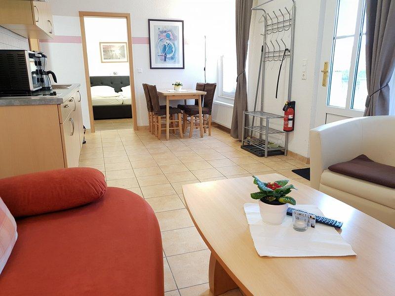 2-Zi-Appartement mit Terrasse Typ 03-S, vacation rental in Zingst