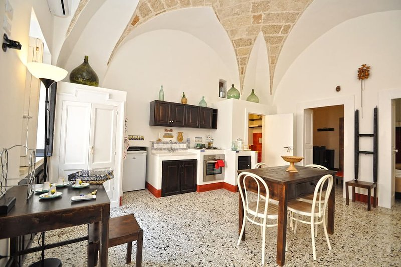 Apartment in the historical center of Melissano - App. De Donatis, vacation rental in Melissano