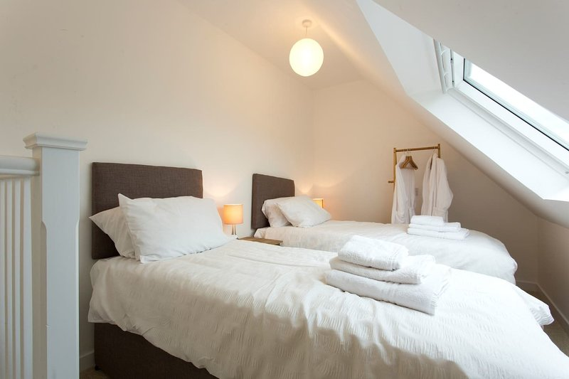 Remarkable 2-Bed Apartment in Culross, holiday rental in Dollar