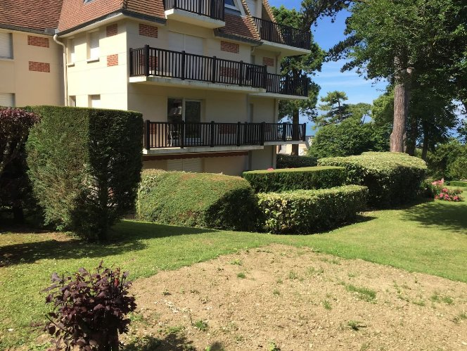 Nice apartment with sea view & Wifi, holiday rental in Villerville