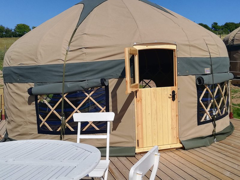 Meadow View Yurt Just outside Looe (Sleeps 3), casa vacanza a St Martin