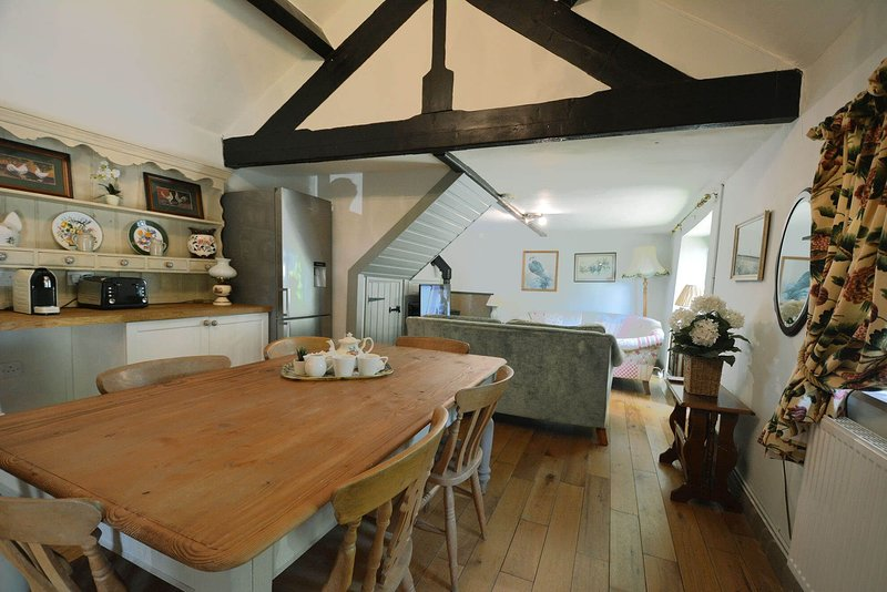 Buttercup Down, holiday rental in Over Haddon