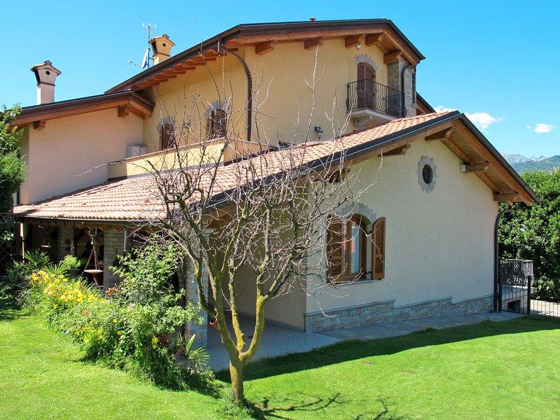 Fulvia (CCO125), vacation rental in Piantedo