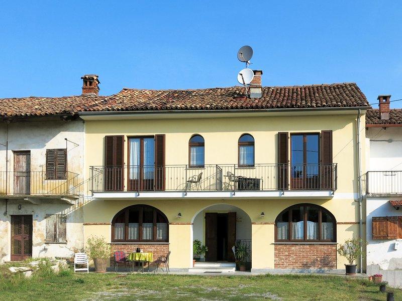 Il Sole (LMR212), holiday rental in Barolo