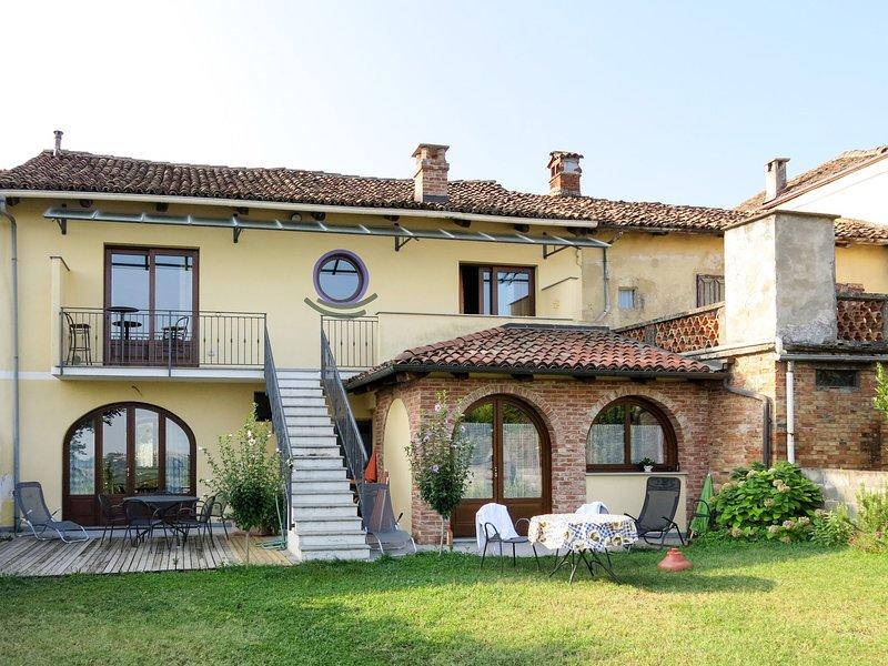 La Terra (LMR211), holiday rental in Barolo