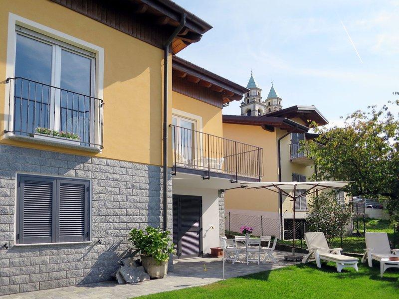Casa ANNA (LUI239), holiday rental in Luino