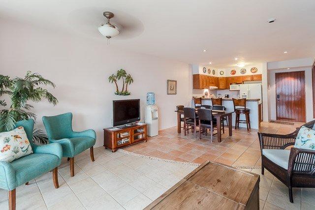 Casa Por El Mar (7170)—Newly Furnished, Large Terrace, Great B, vacation rental in Cozumel