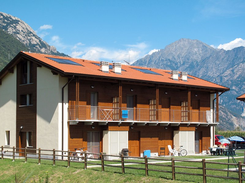 Borgo Poncetta (SRC148), holiday rental in Samolaco