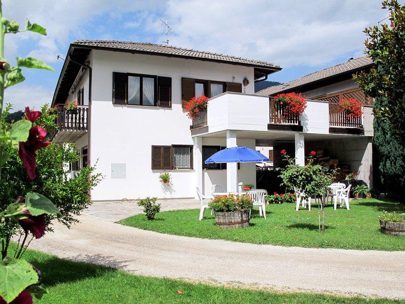 Nice apartment in Lago di Caldonazzo with 1 Bedrooms and WiFi, casa vacanza a Pergine Valsugana