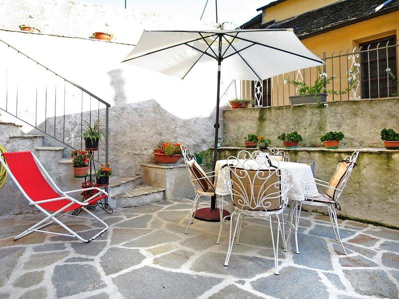 Rosetta (LMG162), holiday rental in Gravellona Toce