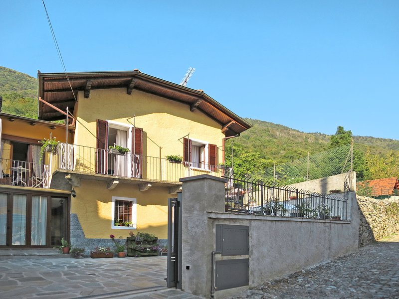 Rosetta (LMG161), holiday rental in Gravellona Toce