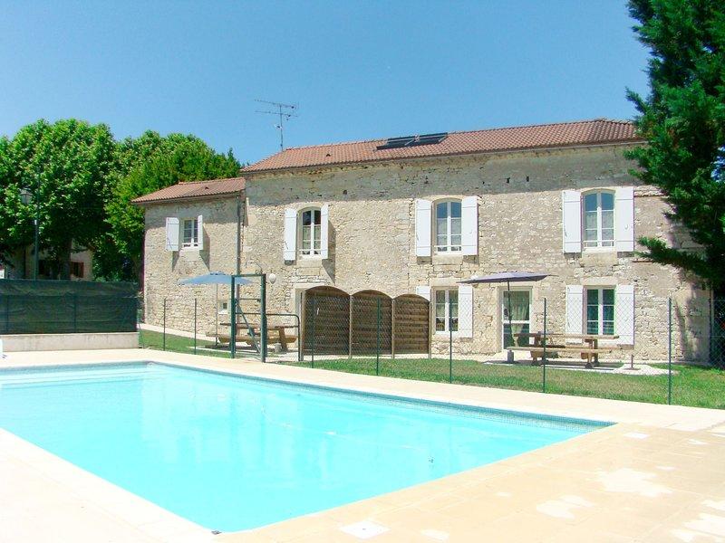 Gîte Communal B (MSQ301), location de vacances à Thézac
