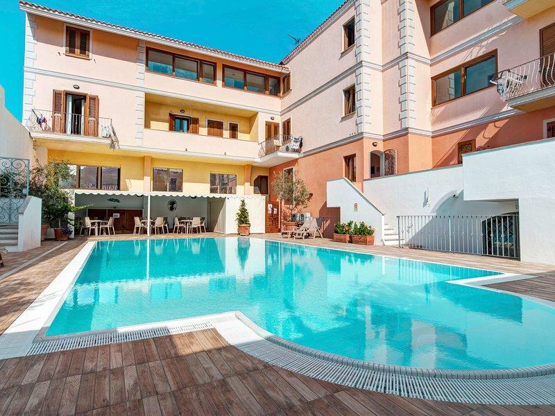 Cristal Blu (STT150), holiday rental in Terravecchia-portoquadro