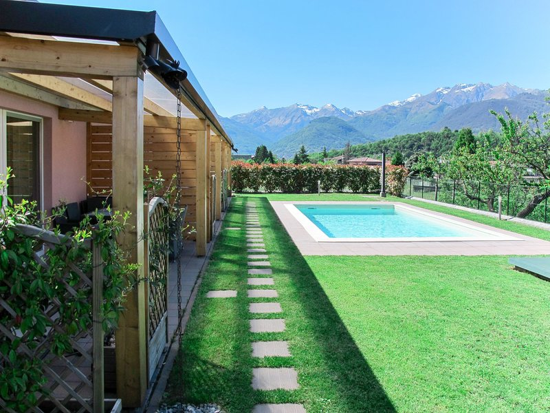 Gelsomini (CCO521), vacation rental in Colico