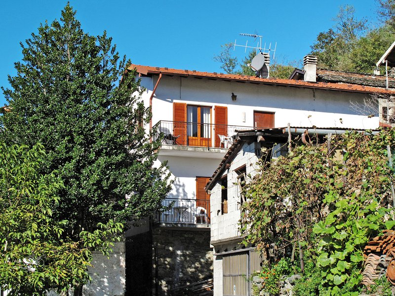 Cà Jior (GRV225), vacation rental in Province of Como
