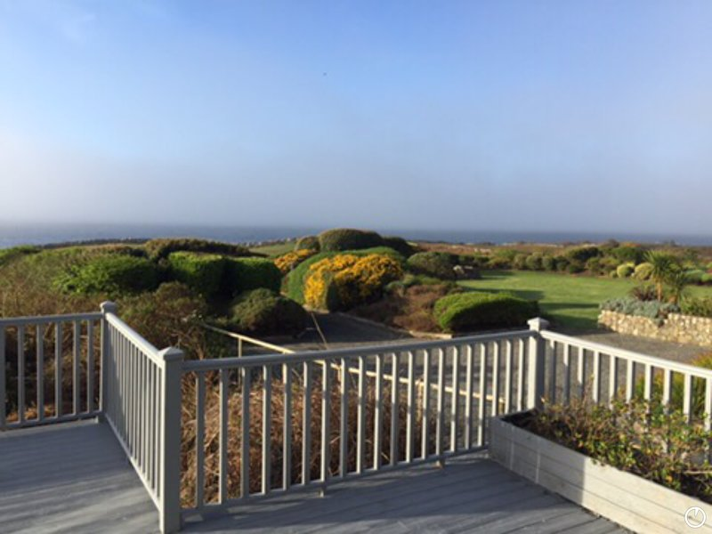 Stunning Waterfront   four bed room home directly on the Atlantic Ocean,, vacation rental in Galway