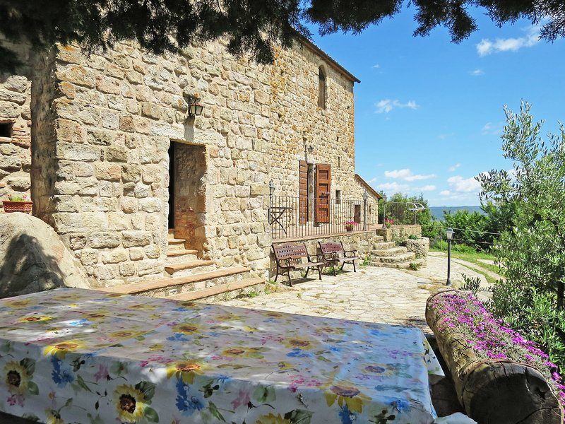 Castello di Civitella (ROC207), holiday rental in Roccastrada