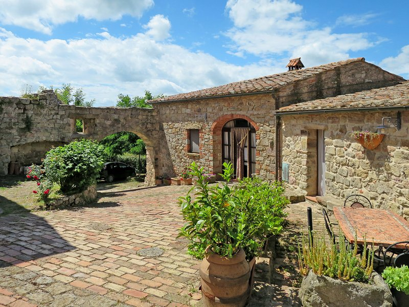 Castello di Civitella (ROC202), holiday rental in Roccastrada