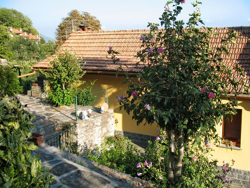 Monte Tabor (CNR385), vacation rental in Cannero Riviera