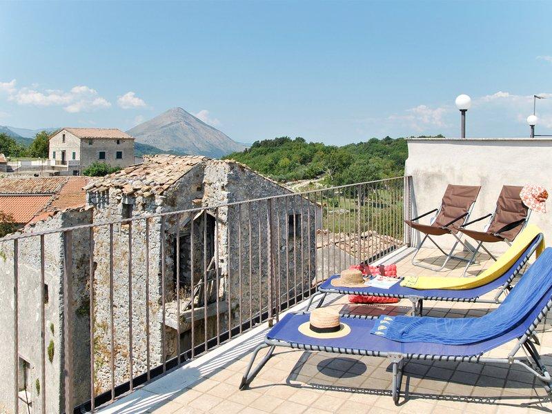 Milleunapietra (CNP100), holiday rental in Castelnuovo Parano