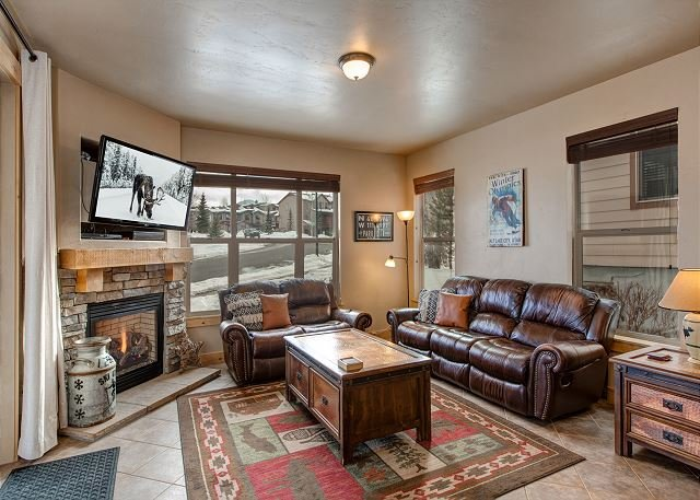 Bear Hollow 5557 by Moose Management-Pool OPEN! -Corner Lot -Pvt Hot Tub -BBQ, location de vacances à Park City