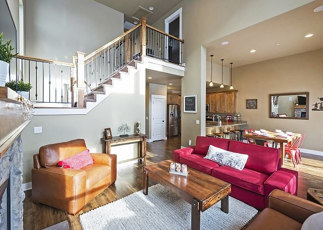 6min to Resorts & Downtown MainSt! BBQ, WiFi -ClubhouseHotTub/Pool/Playground, vacation rental in Park City