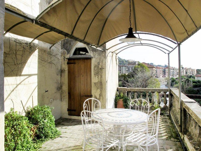 Ginevra (FLG209), holiday rental in Gorra