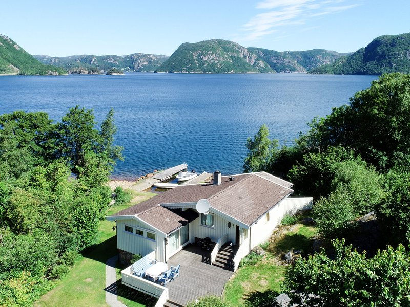 Åptafjorden (SOW684), vacation rental in Flekkefjord