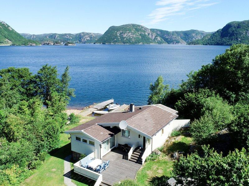 Åptafjorden (SOW684), vacation rental in Kvinesdal Municipality
