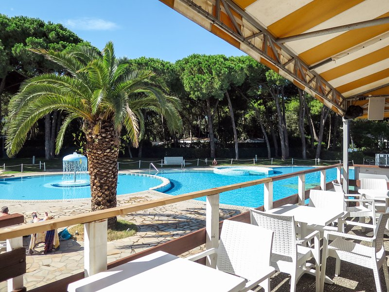 Camping Village Baia Domizia (BDO124), vacation rental in Baia Domizia