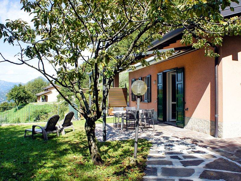 Ronco (VNA216), holiday rental in Perledo