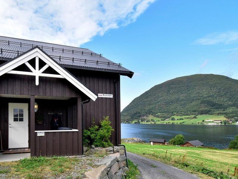 Bøgeilen (FJM303), vacation rental in Eidsvag
