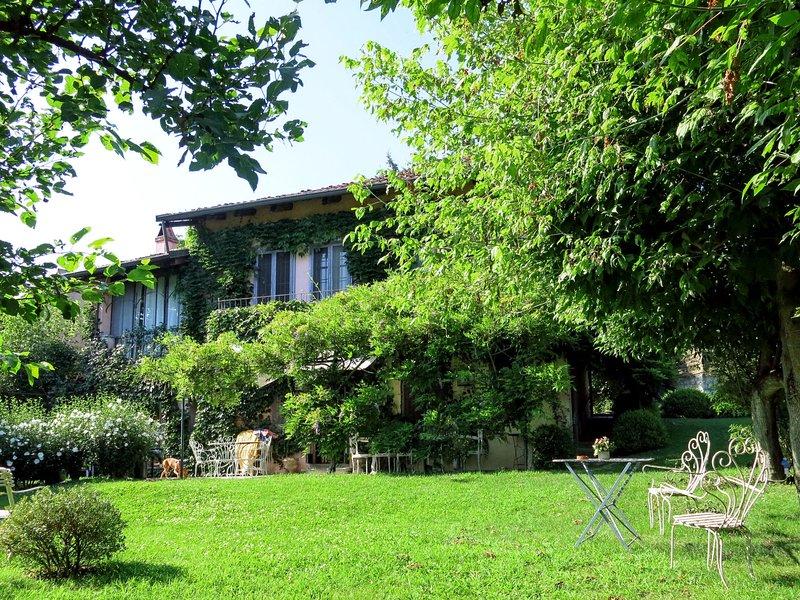 Casa dei Ciliegi (TUI250), vacation rental in Carignano